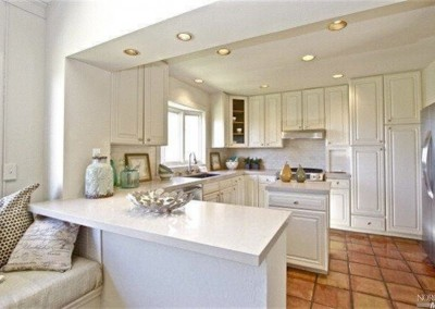 374Elm-Kitchen1